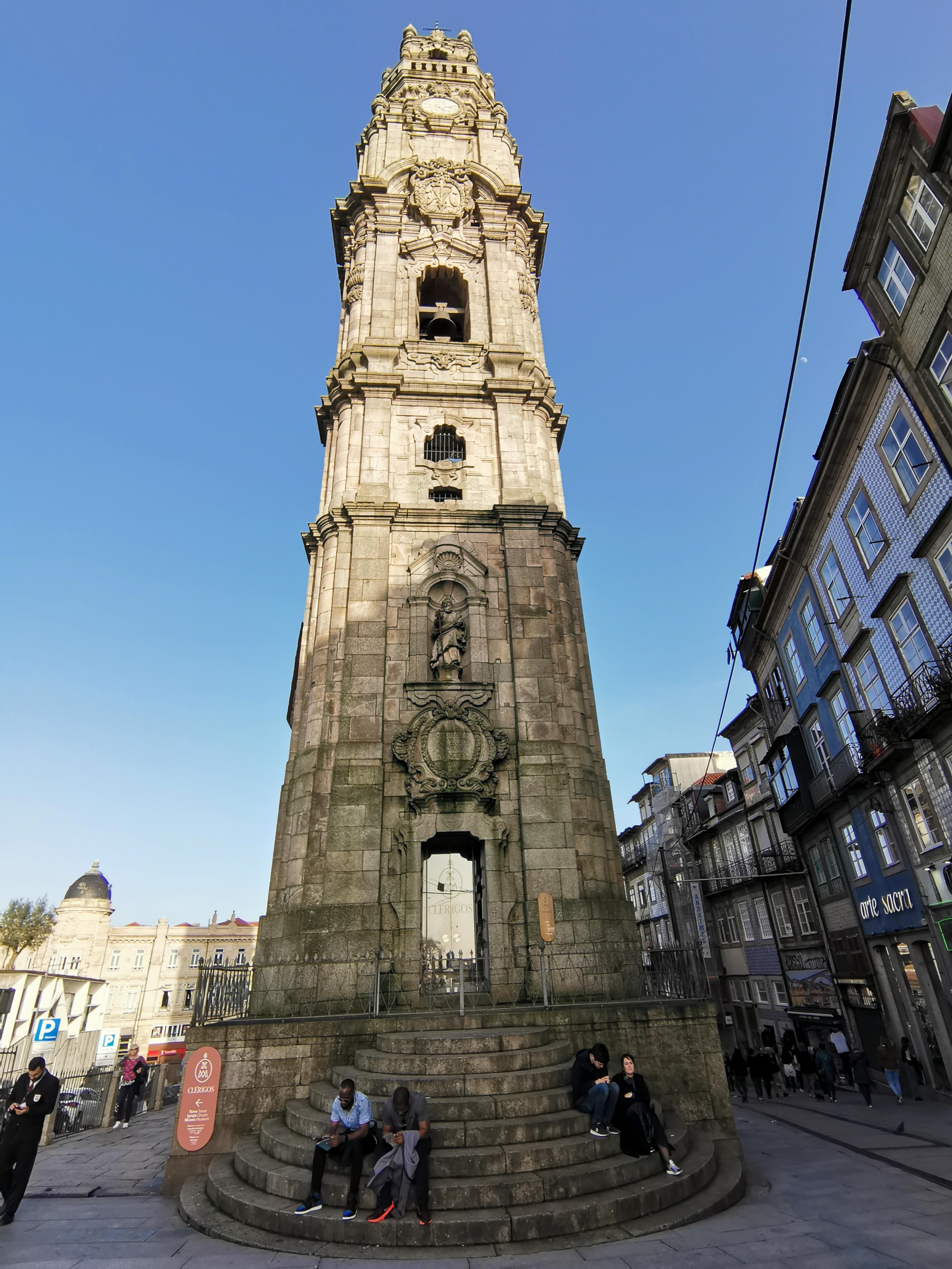 torre-de-los-clérigos-oporto