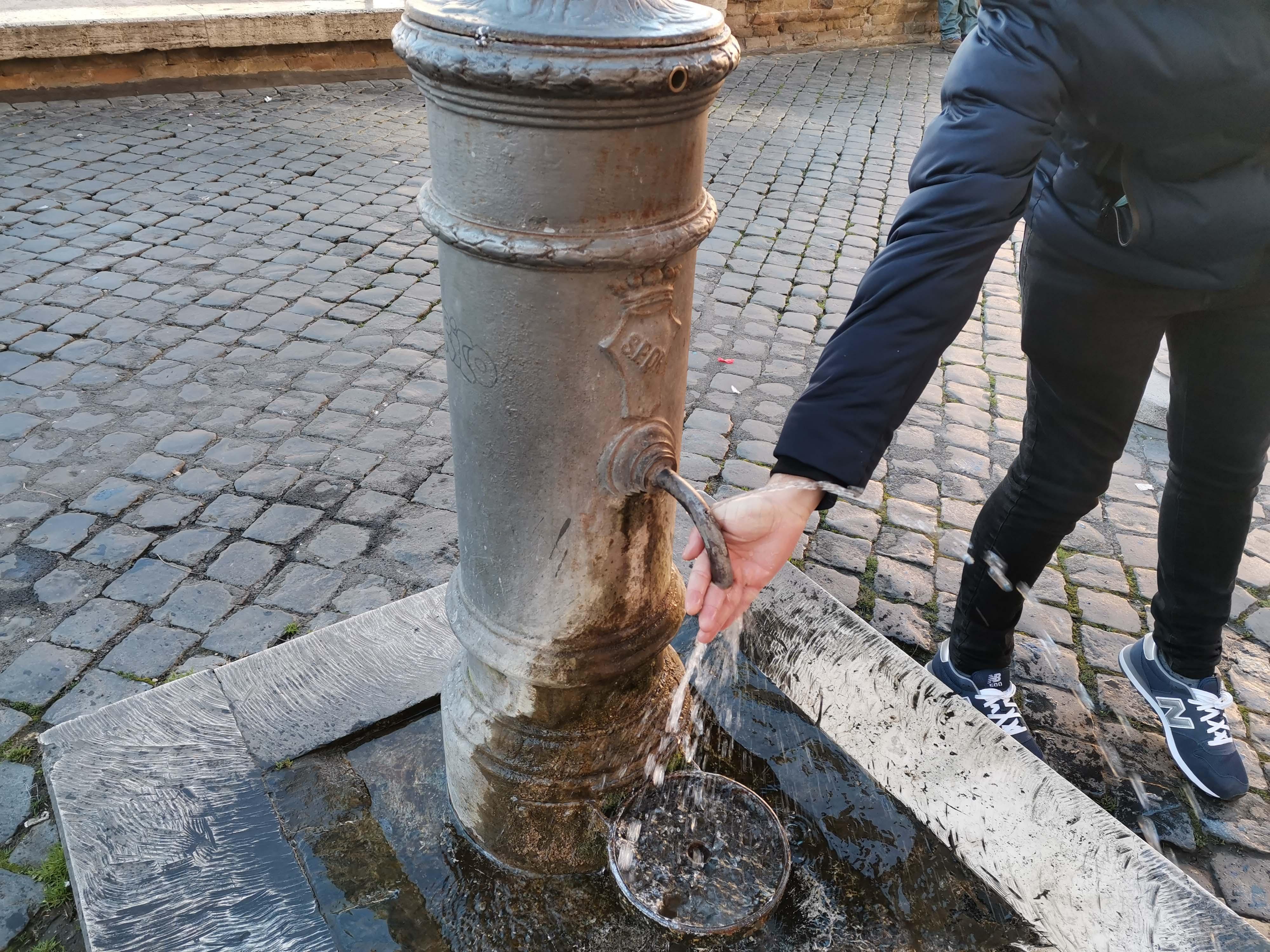 fuente-agua-roma