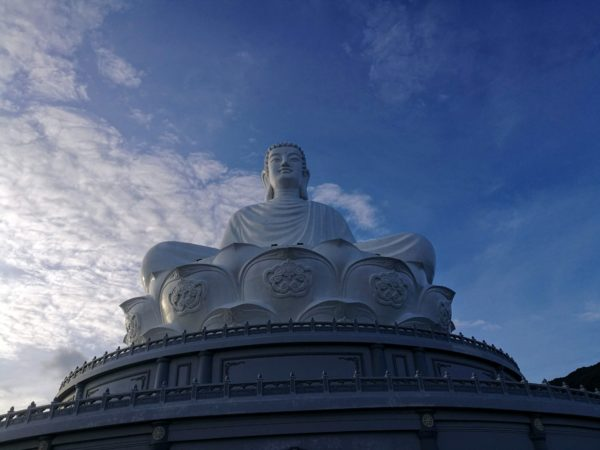 Tuong-Phat-Chua-Ong-Nui