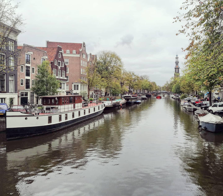 casas-barco-canales-amsterdam