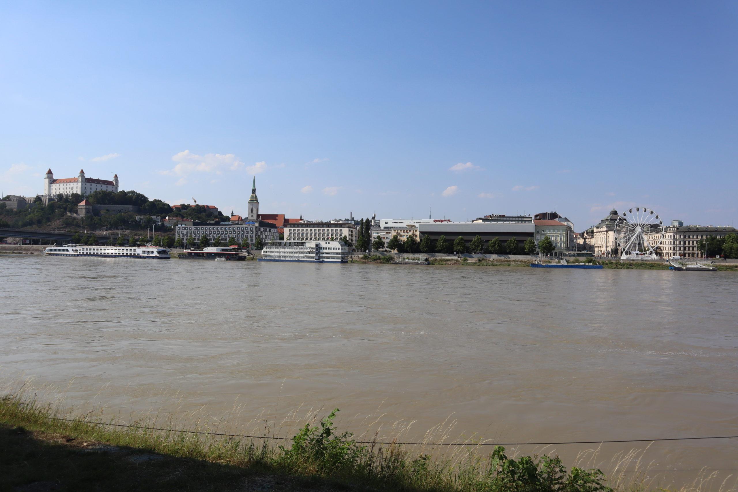 Danubio-Bratislava-Castillo-noria