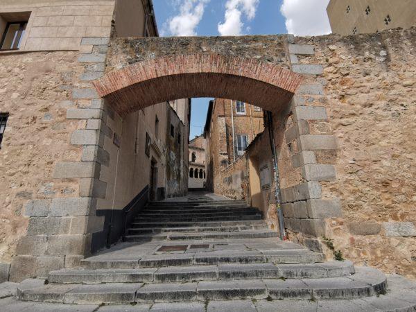 puerta-Sol-Segovia