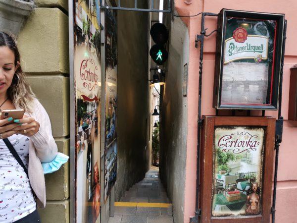 calle-más-estrecha-Praga