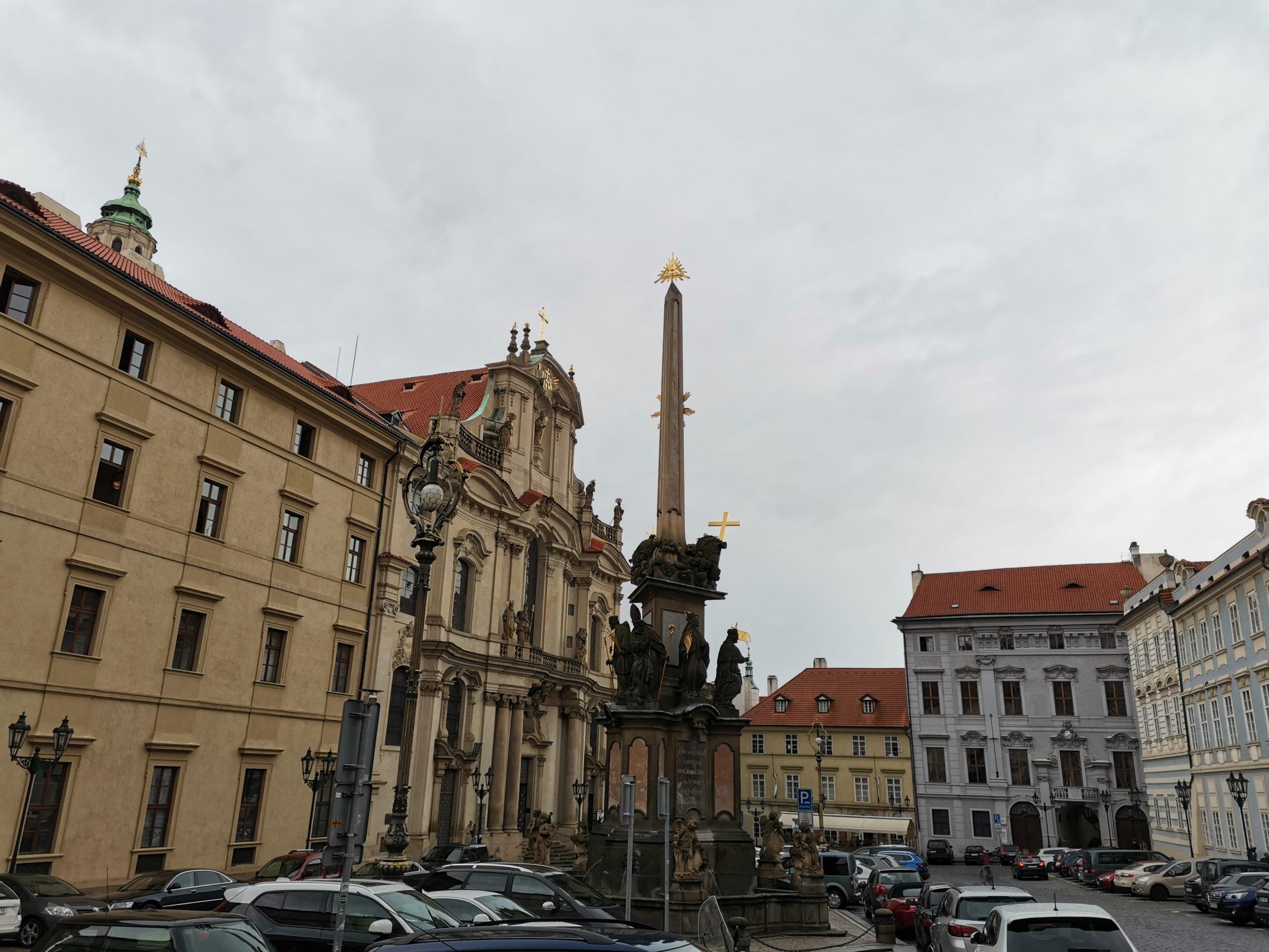 Plaza-Malá-Strana-Praga