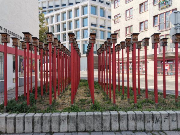 Hundertwasserhaus-caseta-pájaros-Viena