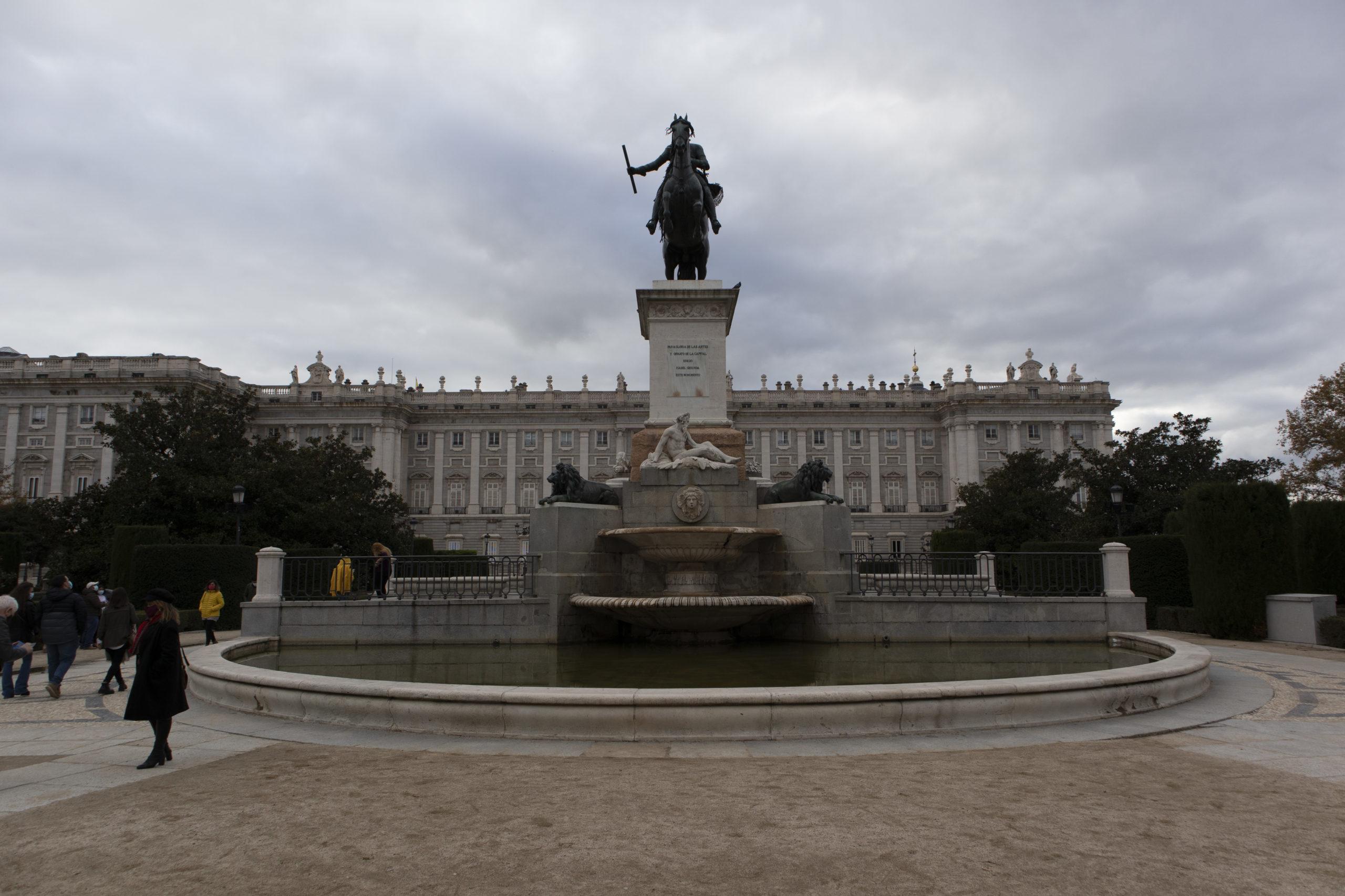 escultura-Felipe-IV-madrid