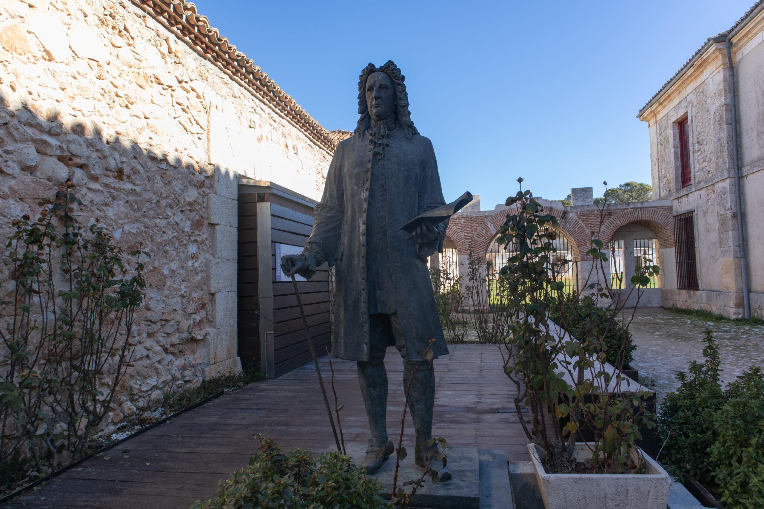 estatua-juan-goyeneche-nuevo-baztan